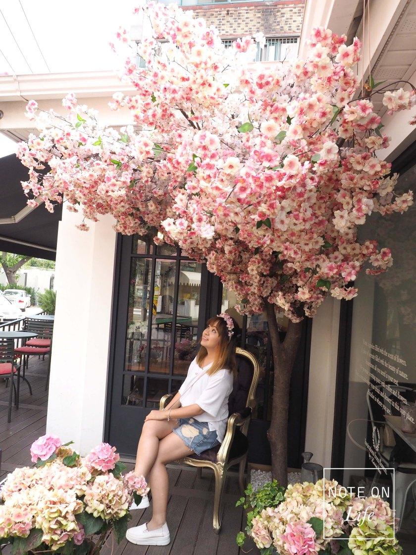 Florte Flower Cafe러빈허 플라워카페Seoul Travel