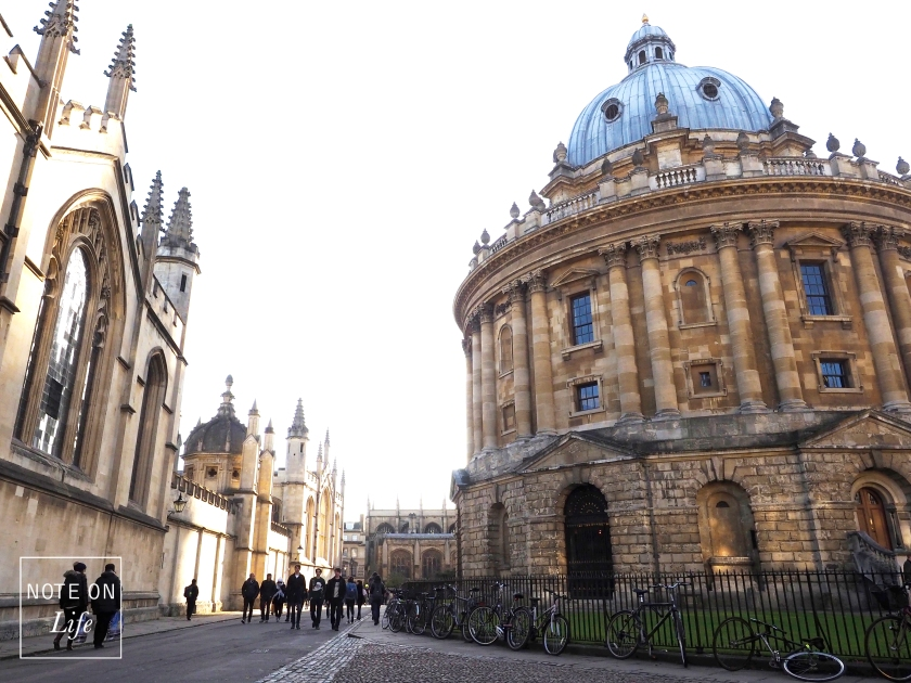 University Charge of St Mary - Oxford London Travel