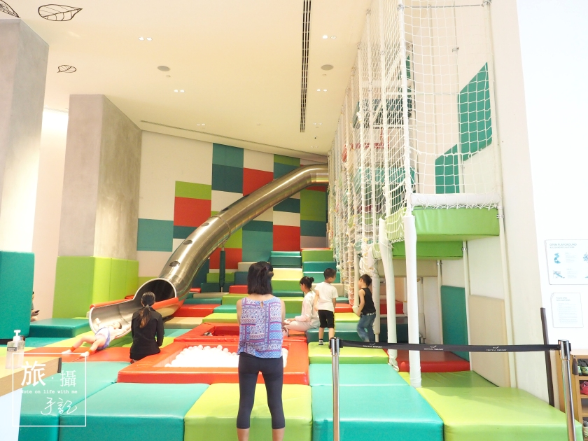 Open house Bookstore Kids slide Bangkok Travel