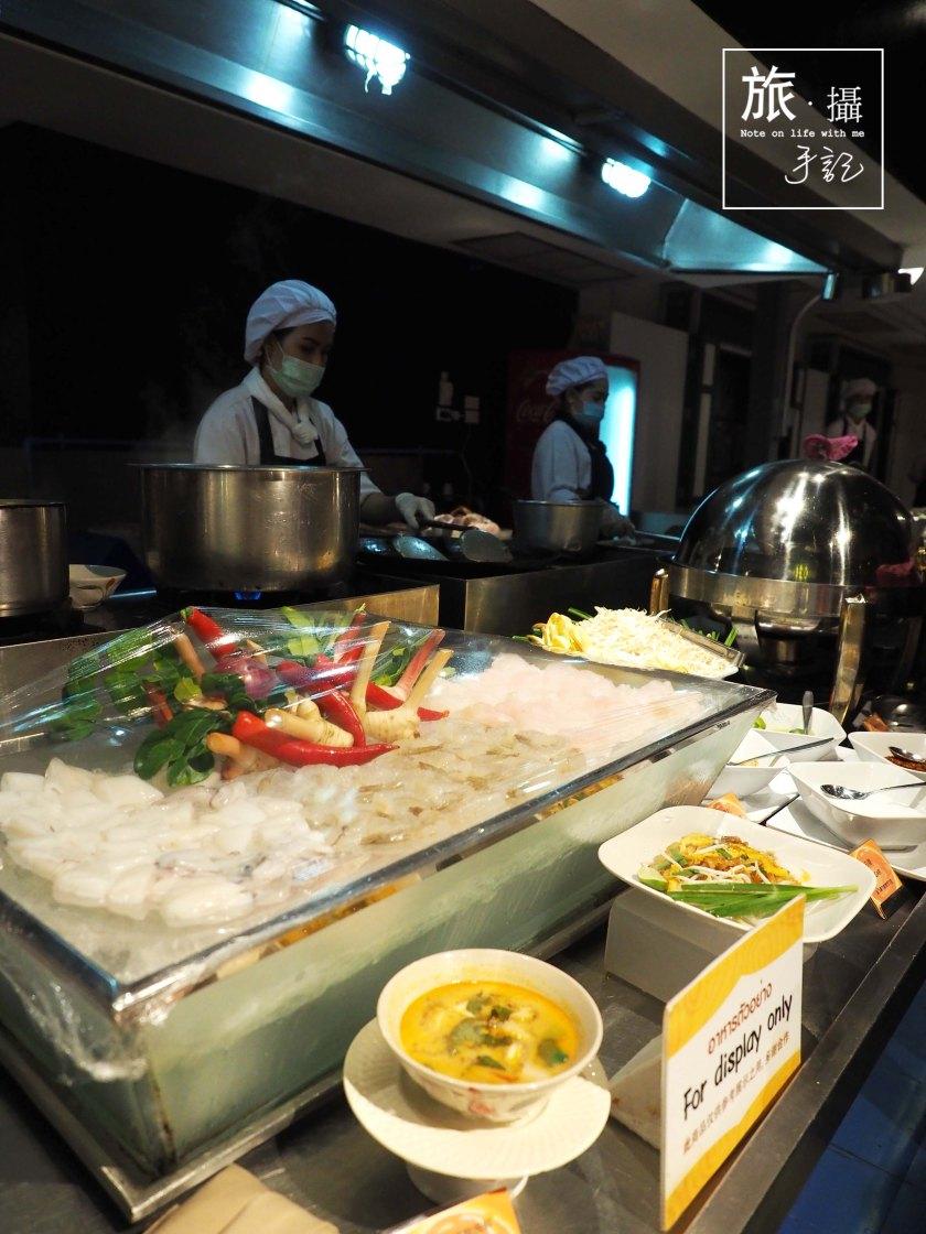 Tong Yam soup Baiyoke Sky hotel buffet Bangkok Thailand
