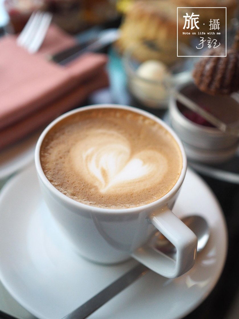 MIXO Sofitel Hotel Afternoon tea